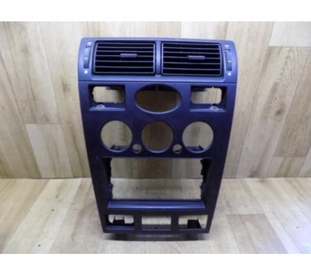 Центральная накладка передней панели с диффузорами, Ford Mondeo 3,1S7118522A