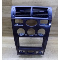 Декоративная центральная накладка с центральными диффузорами, Ford Mondeo 3