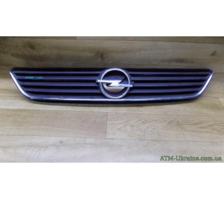 Решётка радиаторная Opel Astra G