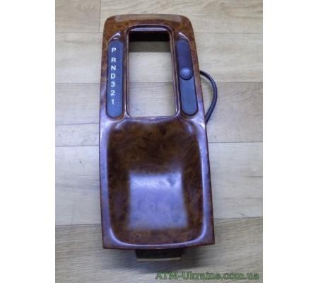 Накладка рычага АКПП с кнопками 90459382 Opel Omega B