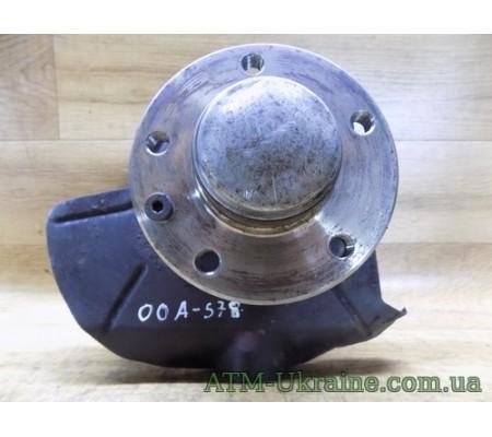 Поворотный кулак в сборе/ступица передняя Opel Omega А