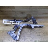 Кронштейн крепления капота (пара) Ford Mondeo-3 MK-3