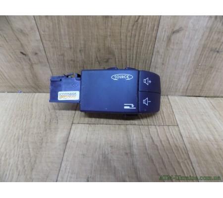 Пульт, звуковой контроль магнитолы Renault Clio 2, 8200058695