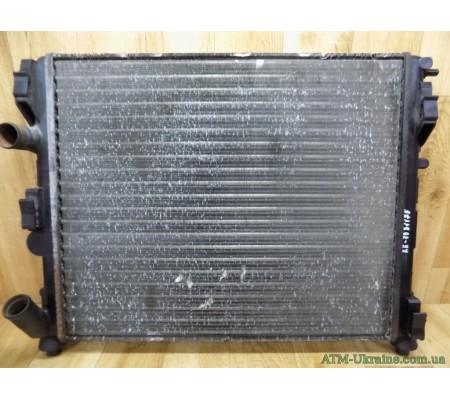Радиатор охлаждения Renault Clio 2, VALEO RM1381, 868606E, 8200156548