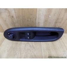 Панель / корпус, блок кнопок стеклоподъемника, и регулировки зеркал левый Renault Clio 2, 8200084008, 8200084003