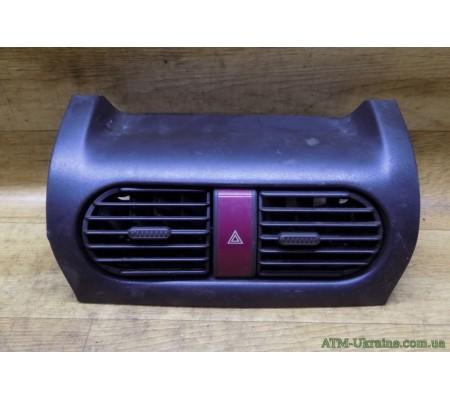 Дефлектор обдува салона, центральный, Opel Corsa C, GM 09228025
