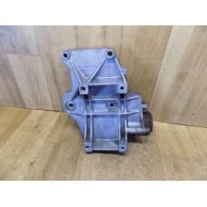 Кронштейн крепления компрессора кондиционера, Volkswagen Passat B5, 058260885